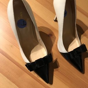 Kate Spade Black + White leather + Patent Pumps